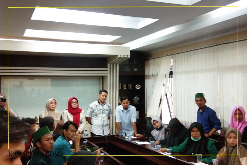 Perwakilan Anggota DPRD Kota Bekasi Akan Sampaikan Tuntutan Mahasiswa ke Partai