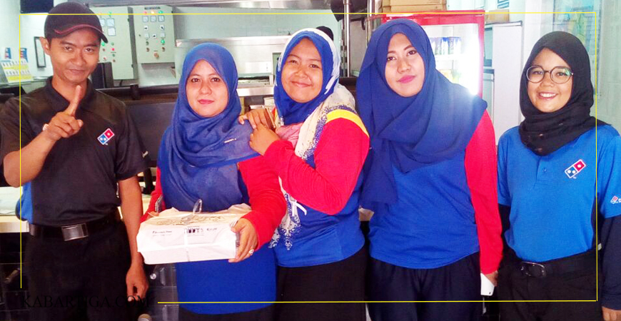 Asiknya Membuat Pizza Bersama Domino's Pizza Villa Mutiara Gading 2