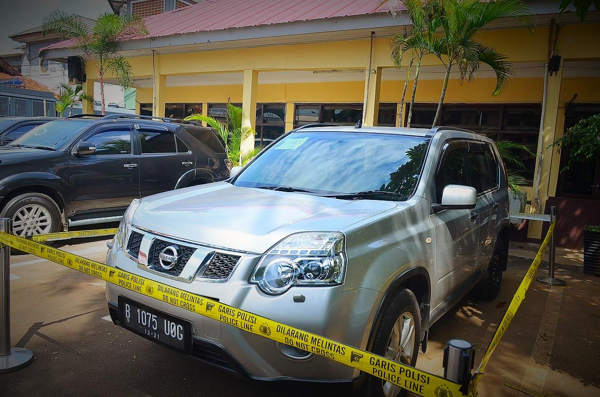 Mobil Nissan X-Trail Korban Pembunuhan Satu Keluarga, Ditemukan