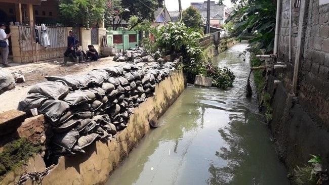 Hujan, Enam Tanggul di Kota Bekasi Rawan Jebol