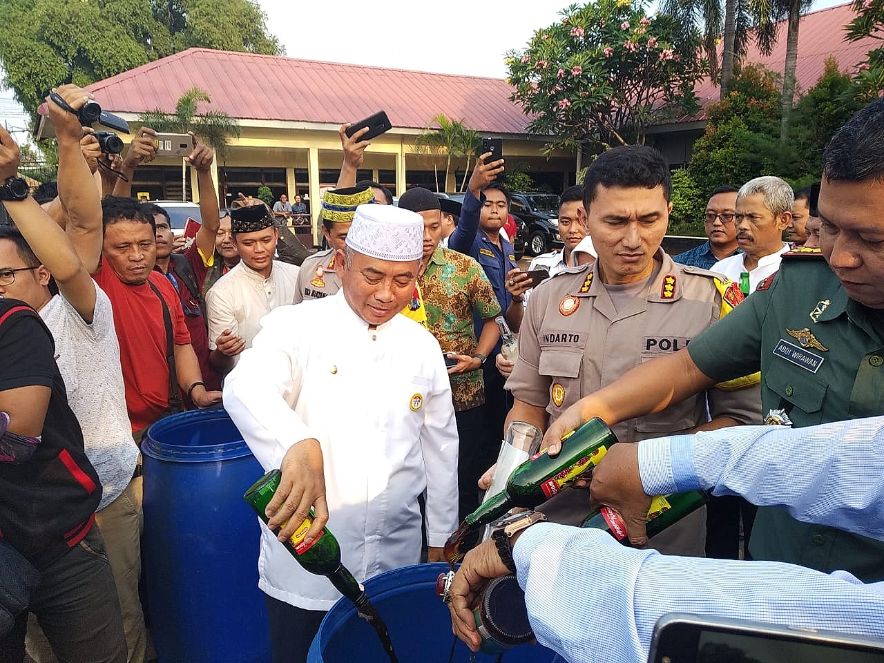 Kapolres Metro Bekasi Kota Usulkan Perda Jual-Beli Miras di Kota Bekasi